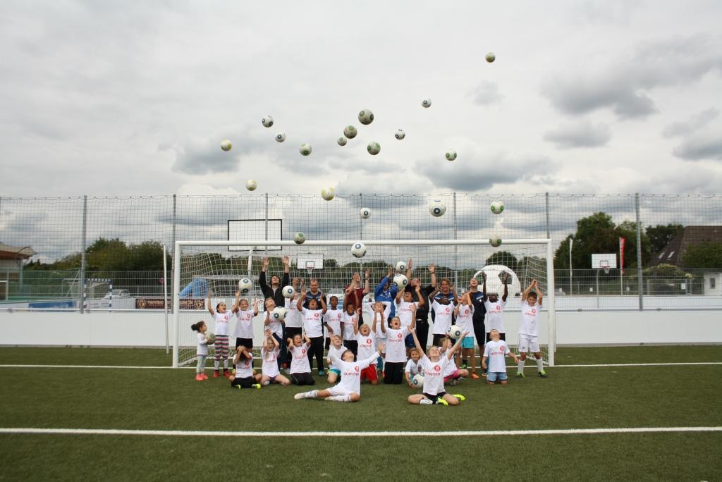 Fußballcamp mit der Langener Sonnenblumenschule - SC Hessen Dreieich