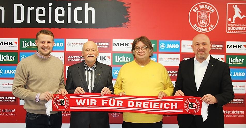 Im Bild v.l.n.r.: Dennis Schemel, Georg Feldesz, Peter Biernacki, Sascha Schnobrich