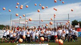 Gemeinsam unter Gleichgesinnten – viertes Eichler-Kammerer-Fußballcamp im Hahn Air Sportpark