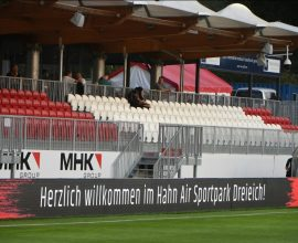 Tribüne im Sportpark Dreieich
